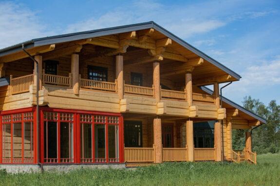Дом из кедрового лафета. «Резиденция»